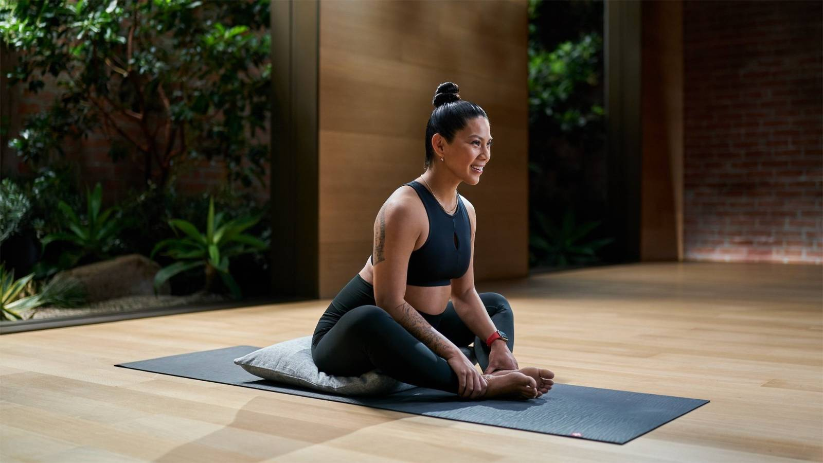 Apple expands Fitness+ with pregnancy and older adult workout programs