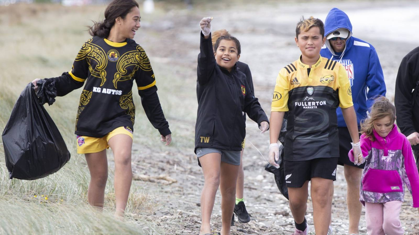 More than a beach cleanup, Māori Rugby League teaching rangatahi about tikanga
