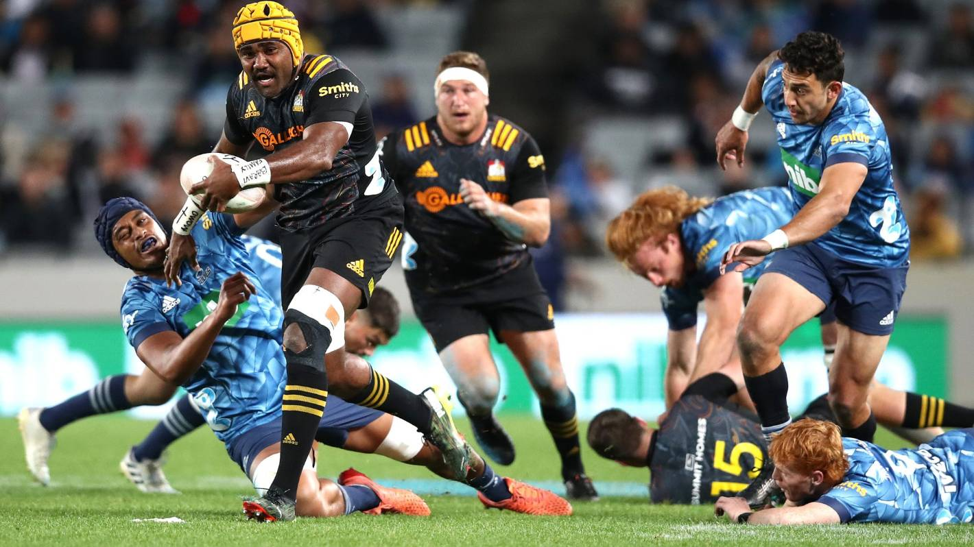 Super Rugby: Pita Gus Sowakula proves irresistible as Chiefs shuffle pack for final
