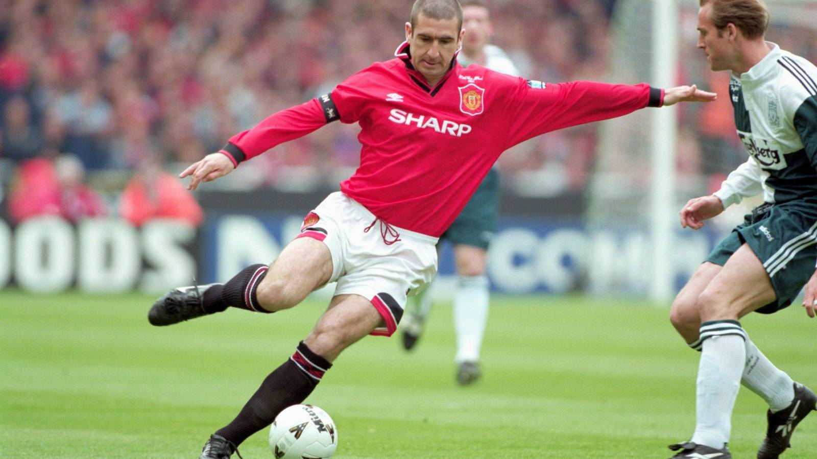 Host Cantona steals the show in entertaining Manchester United doco
