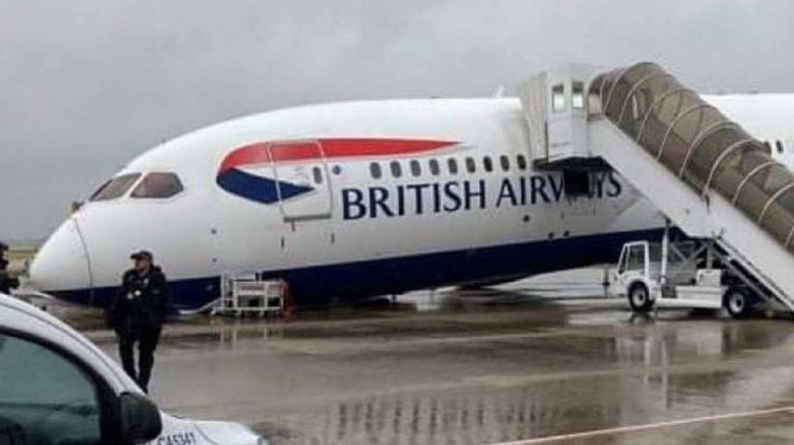 British Airways plane collapses at Heathrow