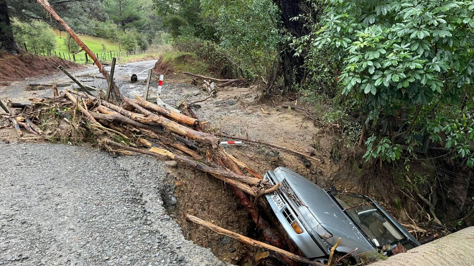Live: Wellington weather warning, floods cut off East Cape