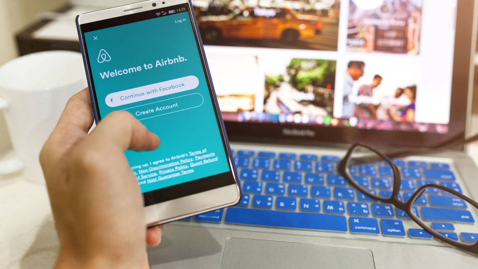When your living room is your business: Sociologist does her PhD on Airbnb