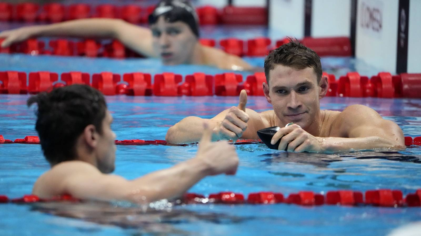 Frustrated US swimmer sparks doping accusations
