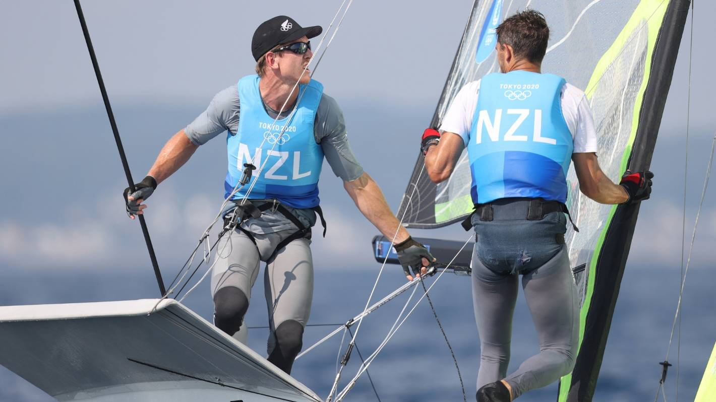 Tokyo Olympics: Peter Burling and Blair Tuke show class in 49er to move into gold medal position