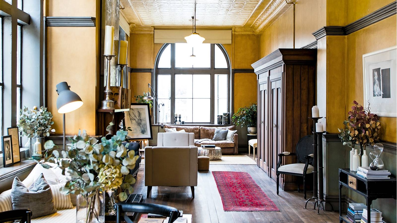 Rented heritage apartment rich with global treasures