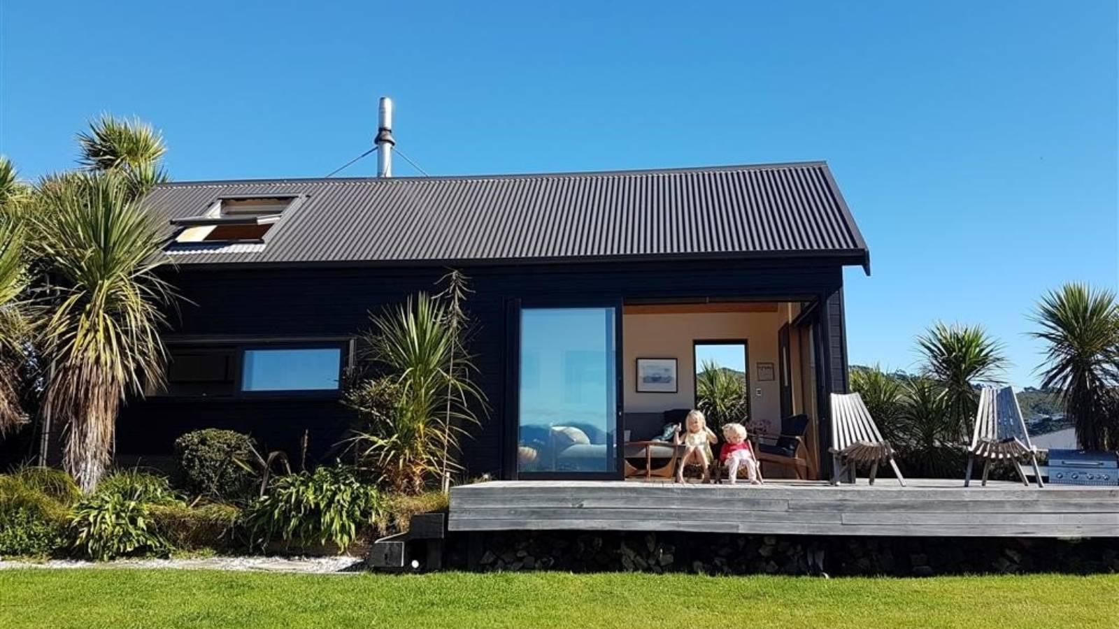 How a plan for an outdoor bath helped shape an award-winning cabin