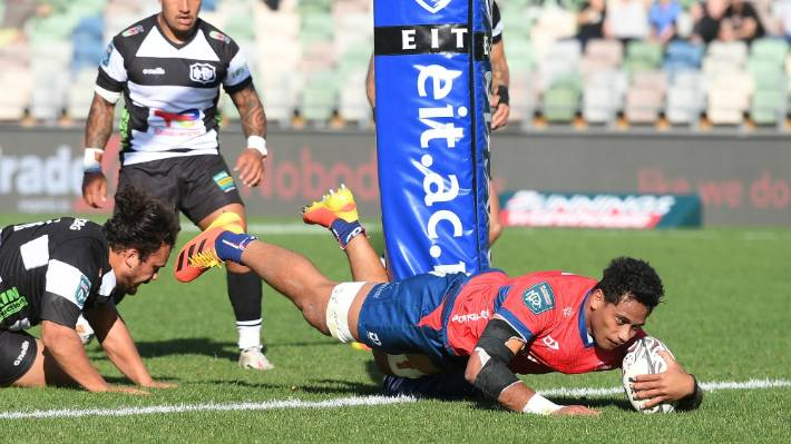 Shannon Frizell scores against Hawke's Bay on Saturday.