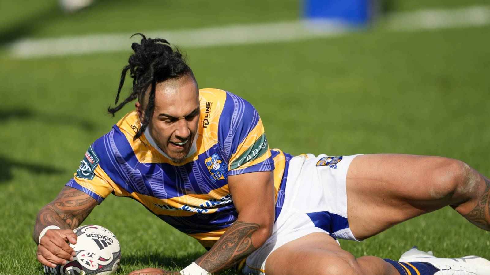 'I'm in absolute pieces': Sean Wainui's wife pays heartfelt tribute to her late husband