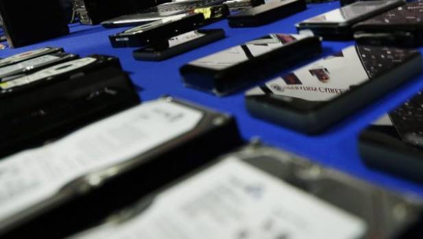 The Police stopped 1000 hard drives being sent from Auckland to overseas scammers.
