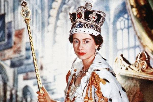 How Britain came to revere the Queen | Stuff.co.nz