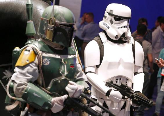 Boba Fett and a Stormtrooper at the 2014 Electronic Entertainment Expo.