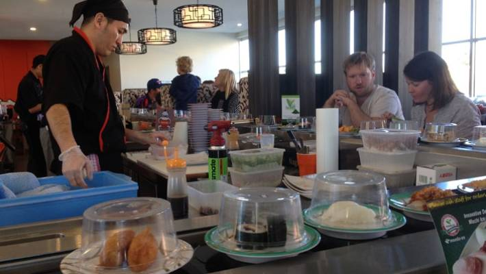 Sushi Conveyor Belt Restaurants Are Por Throughout The World